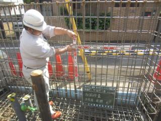代々木アパートメント 盛土の土留めを兼ねたヨウ壁の配筋検査+コンクリート打設立会い
