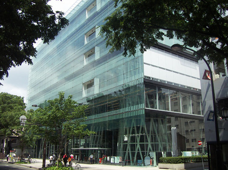 伊東豊雄氏設計の仙台メディアテークを見に行ってきました。