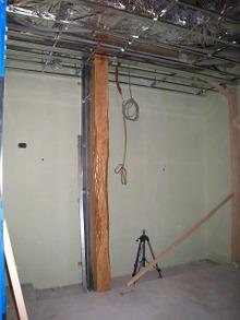 うらわ高砂 床柱の設置