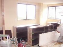 柳澤税理士事務所改修計画現場リポート 家具取り付け。